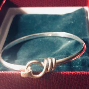 Sterling silver knot cuff bracelet w clasp